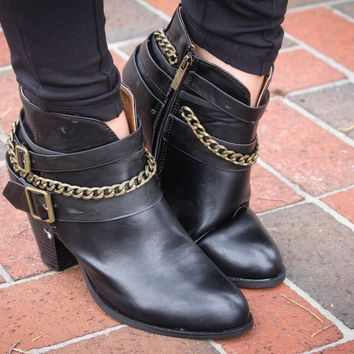 so chic and not that expensive...I'm Back Buckle & Chain Ankle Booties- Black