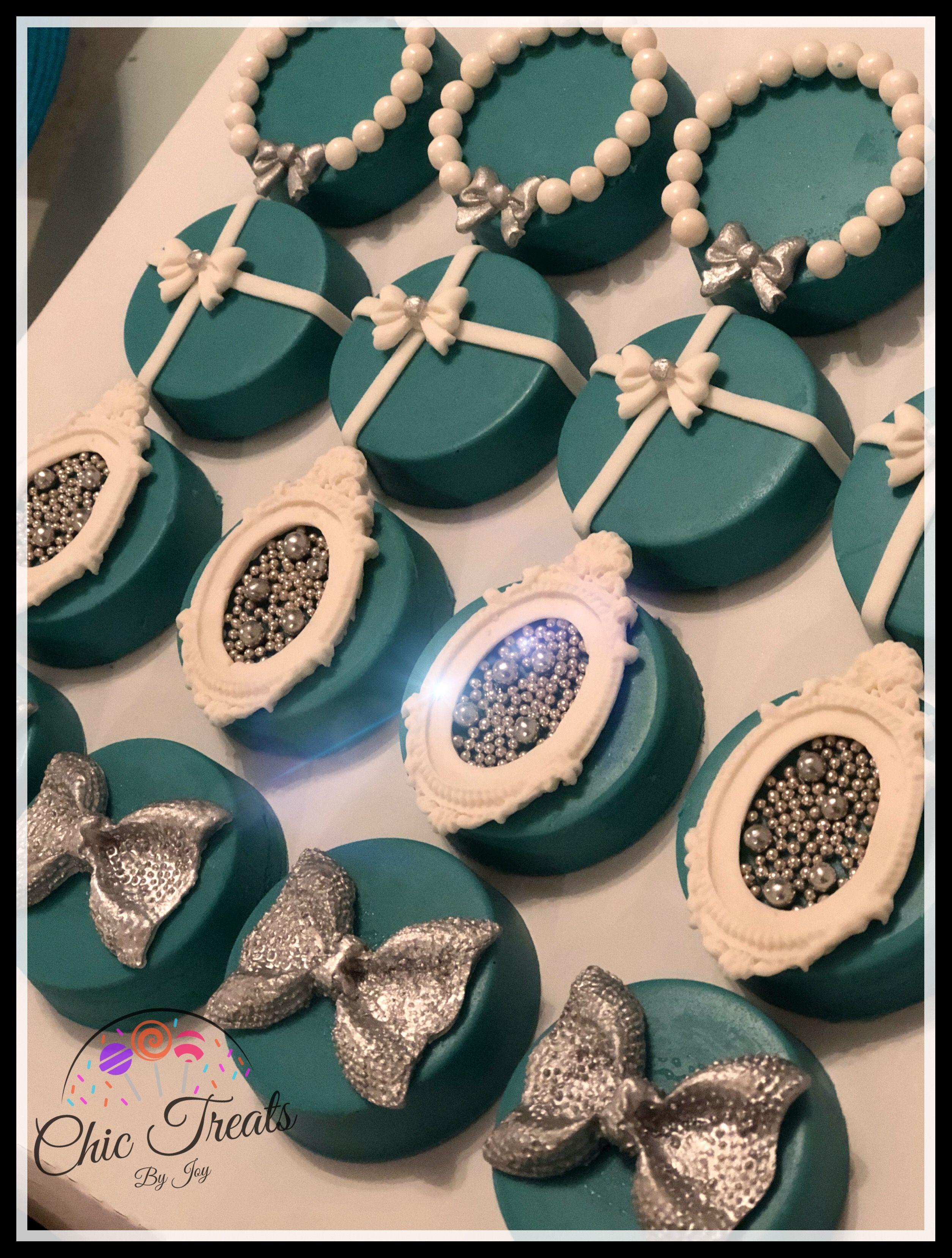 31a7e73fda7 Tiffany & Co Oreos Oreo Cookie Cake, Cookie Pops, Oreo Cookies, Cute Cookies