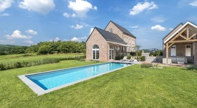 Zwembad met poolhouse in de Ardennen