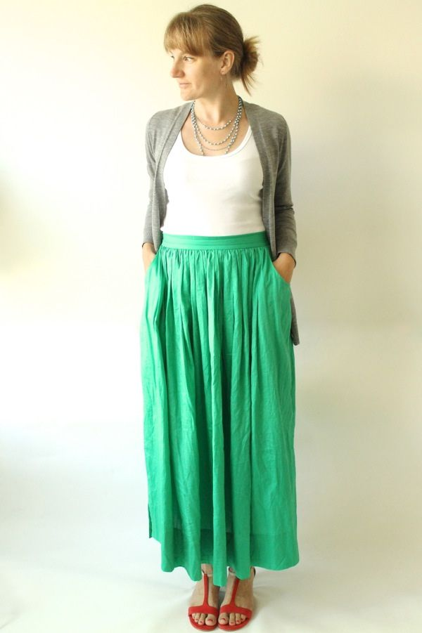 Green maxi skirt with pockets
