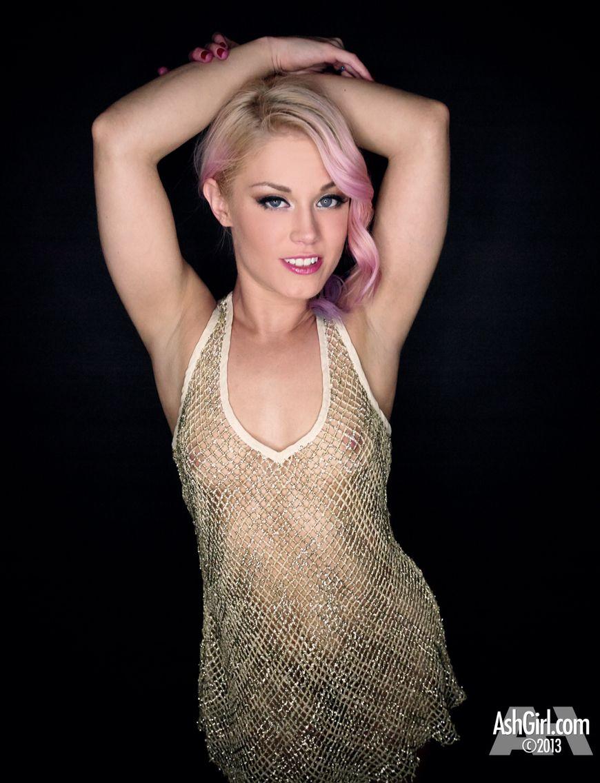 Ash Hollywood Nude Photos 25