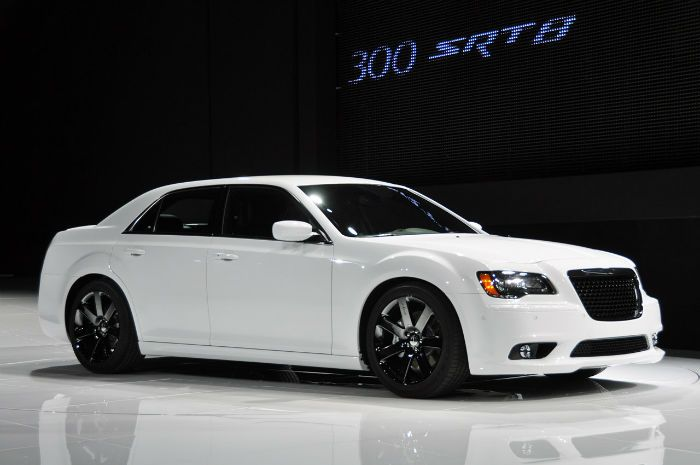 2016 Chrysler 300 With Images Chrysler 300 Srt8 Chrysler 300