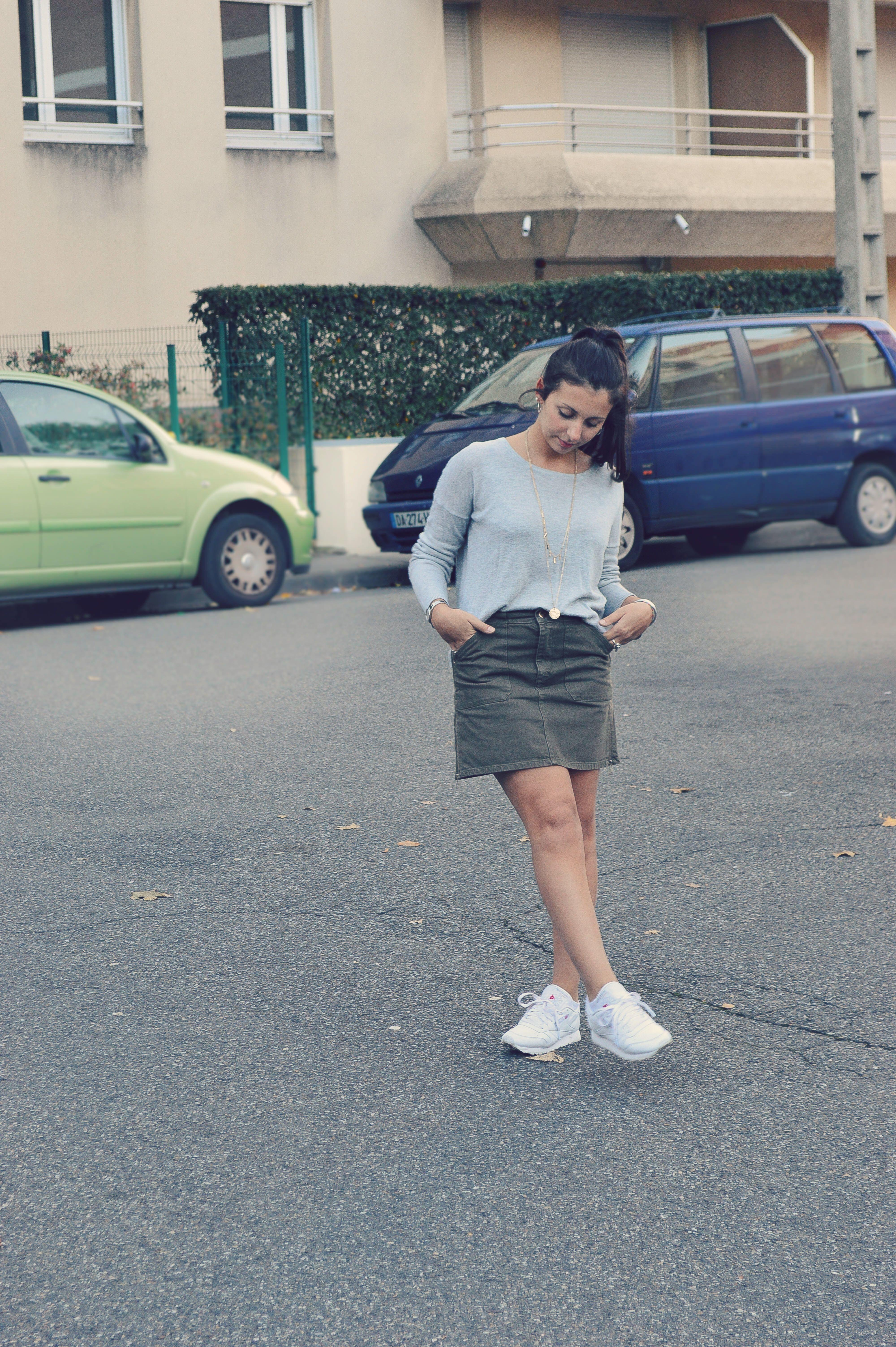 jupe en jean kaki outfit looks mademoiselle manon pinterest. Black Bedroom Furniture Sets. Home Design Ideas