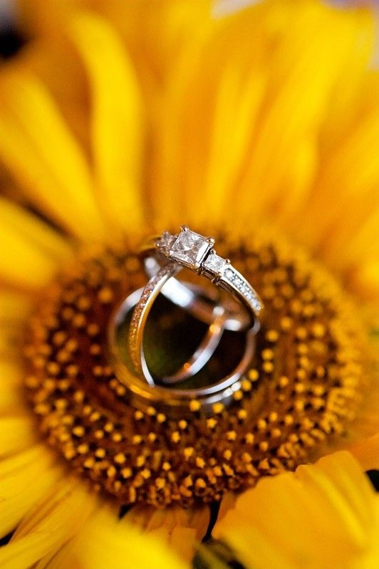 Vintage Diamond Beach Wedding Rings, Diamond Wedding Ring on the sunflower