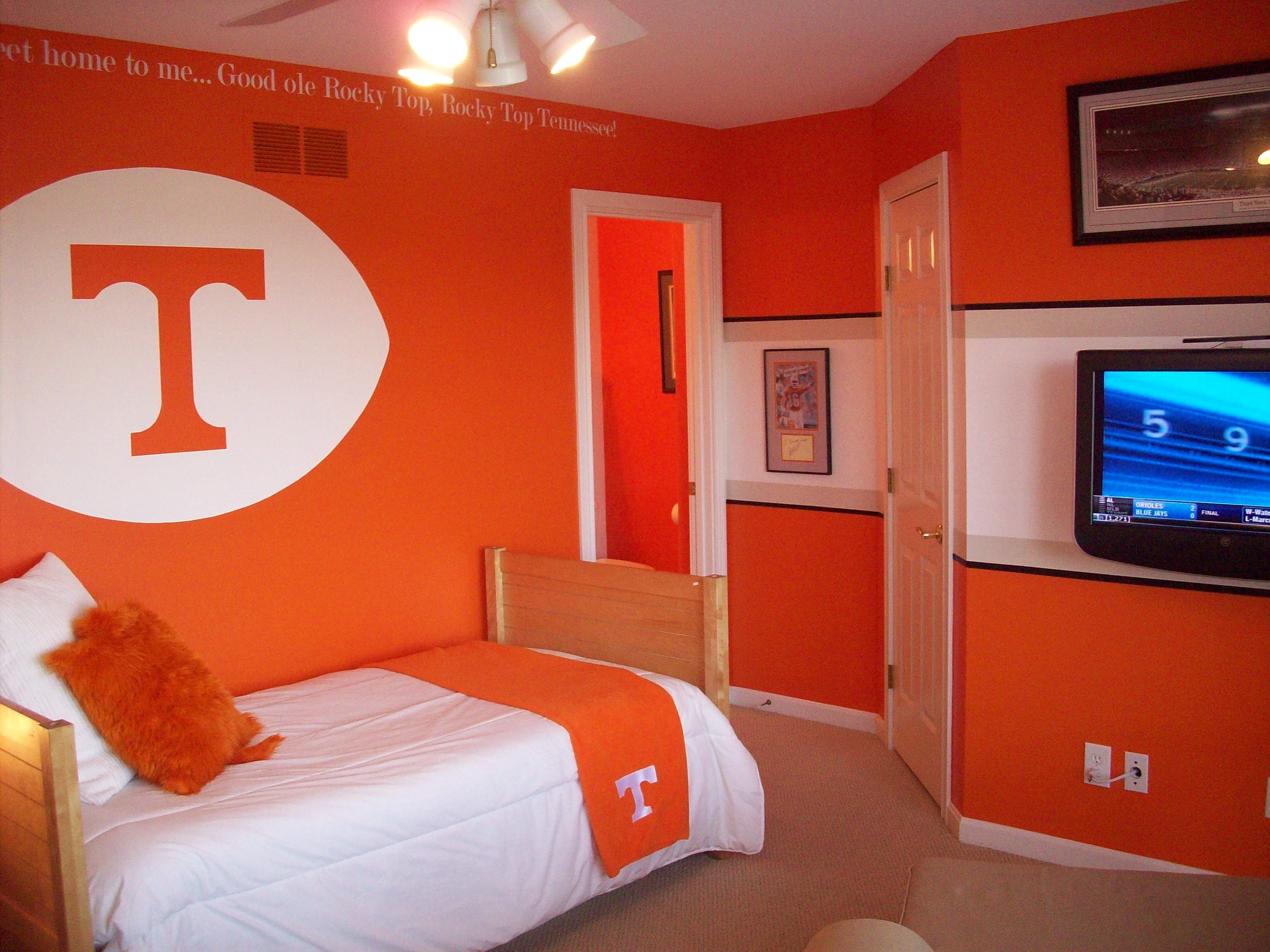 Stupendous Go Vols Leigh Hutcheson This Is The Room For Yall Dailytribune Chair Design For Home Dailytribuneorg