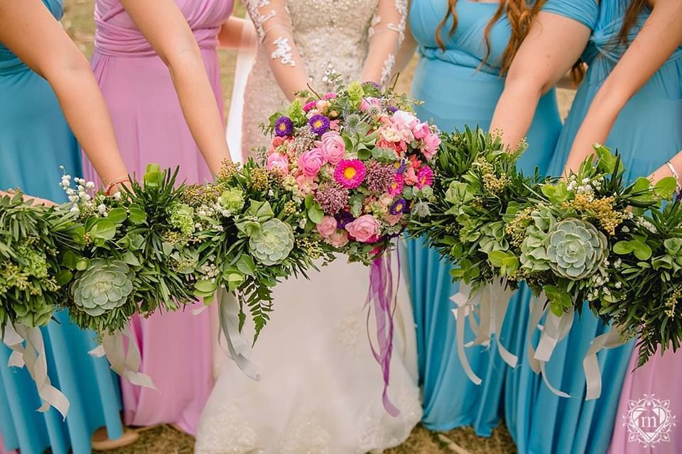 Prettify Your Wedding Day With Flowers By Dangwa Florist Beforeidobridalfair Beforeidobridalfairexhibitor Bridalfair Bridal Fair Wedding Fair Wedding Expo
