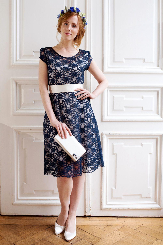 Labude - Kurzes Spitzenkleid Amandine in blau Elegantes Kleid ...