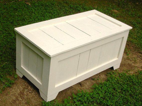 Cuadro blanco antiguo rústico reclamado Cedar juguete, arcón, mesa ...