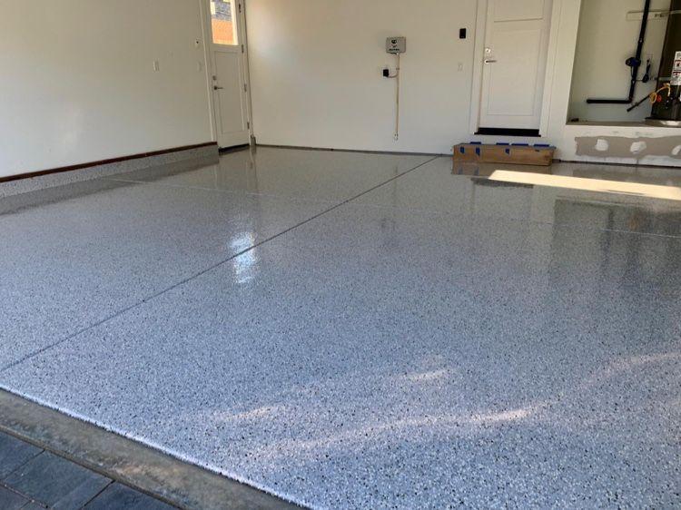 Flakes Epoxy Floor Ref 1 4 Granite Whisper Grey Epoxy Floor Flooring Garage Floor Finishes