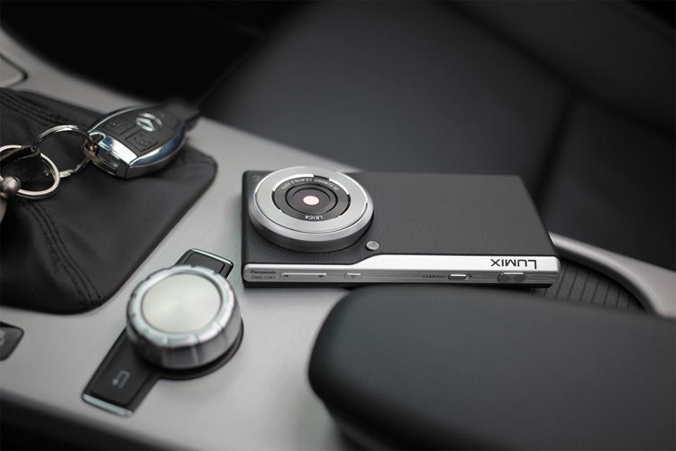 Japanese company Panasonic has unveiled an android smartphone with 1-inch sensor and Leica lens at Photokina in Cologne. The Panasonic Lumix Smart Camera DMC-CM1 comes with the largest imaging sensor we have seen on a smartphone.