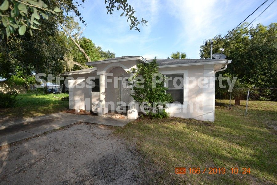 2214 e 19th ave tampa fl 33605 fenced in yard tampa