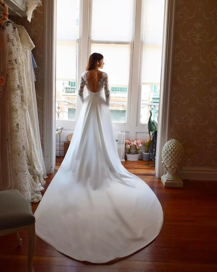 Beautiful wedding dress inspiration | Wedding dress with long train #weddingdress #weddingdresses