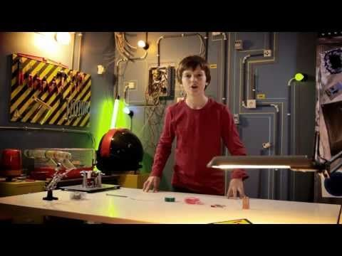 Maak zelf een elektromagneet - YouTube