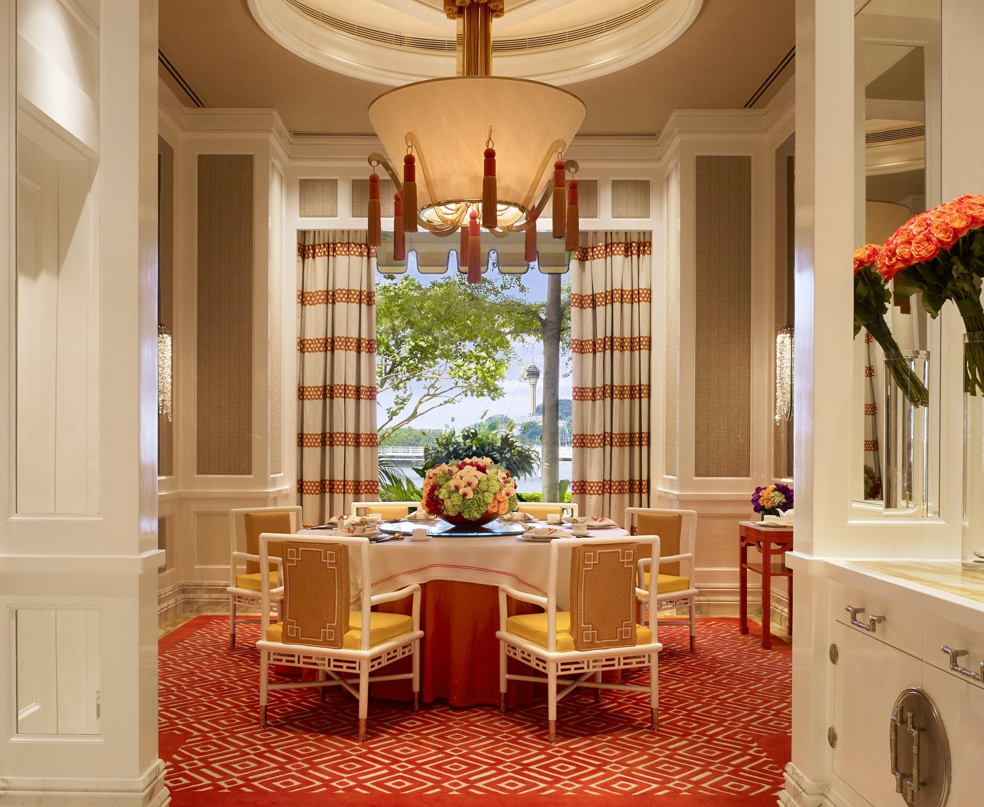5 Dramatic Interiors By The Roger Thomas Collection Interior Architectural Digest Interior Architecture