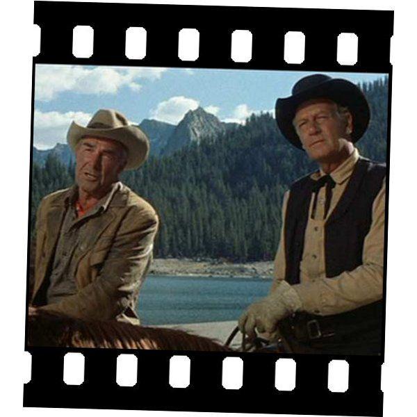 Duelo en la alta sierra    [Ride the Hight Country - Sam Peckinpah (1962)]     Dos viejos amigos pistoleros se asocian para escoltar un cargamento de oro, sin embargo el mayor problema lo supondrá el escoltar a un chica que encontrarán durante su camino, además de las dudas respecto al trabajo que están haciendo.    Muy buen western de Sam Peckinpah quien, como le solía gustar, hurgará en la herida de la condiciòn humana.