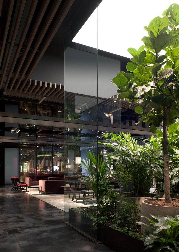 El nuevo showroom de B&B Italia reúne el mejor diseño de ...