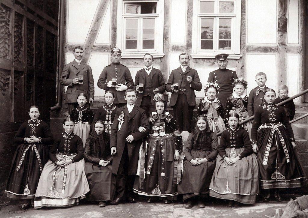Hochzeitsgesellschaft Einer Katholischen Hochzeit In Sindersfeld
