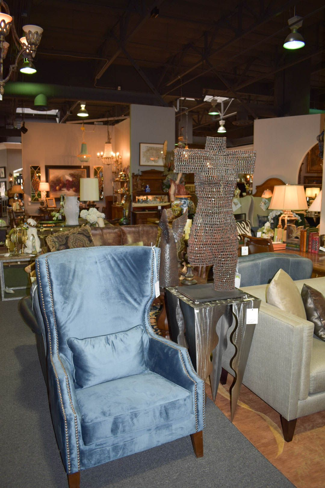 Perfect Scottsdale Furniture Consignment, Antiques, Artwork And Home Accessories.