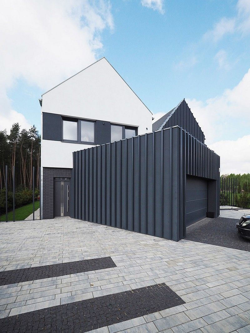 Fence House - a Contemporary Interpretation of the Traditional Style 19