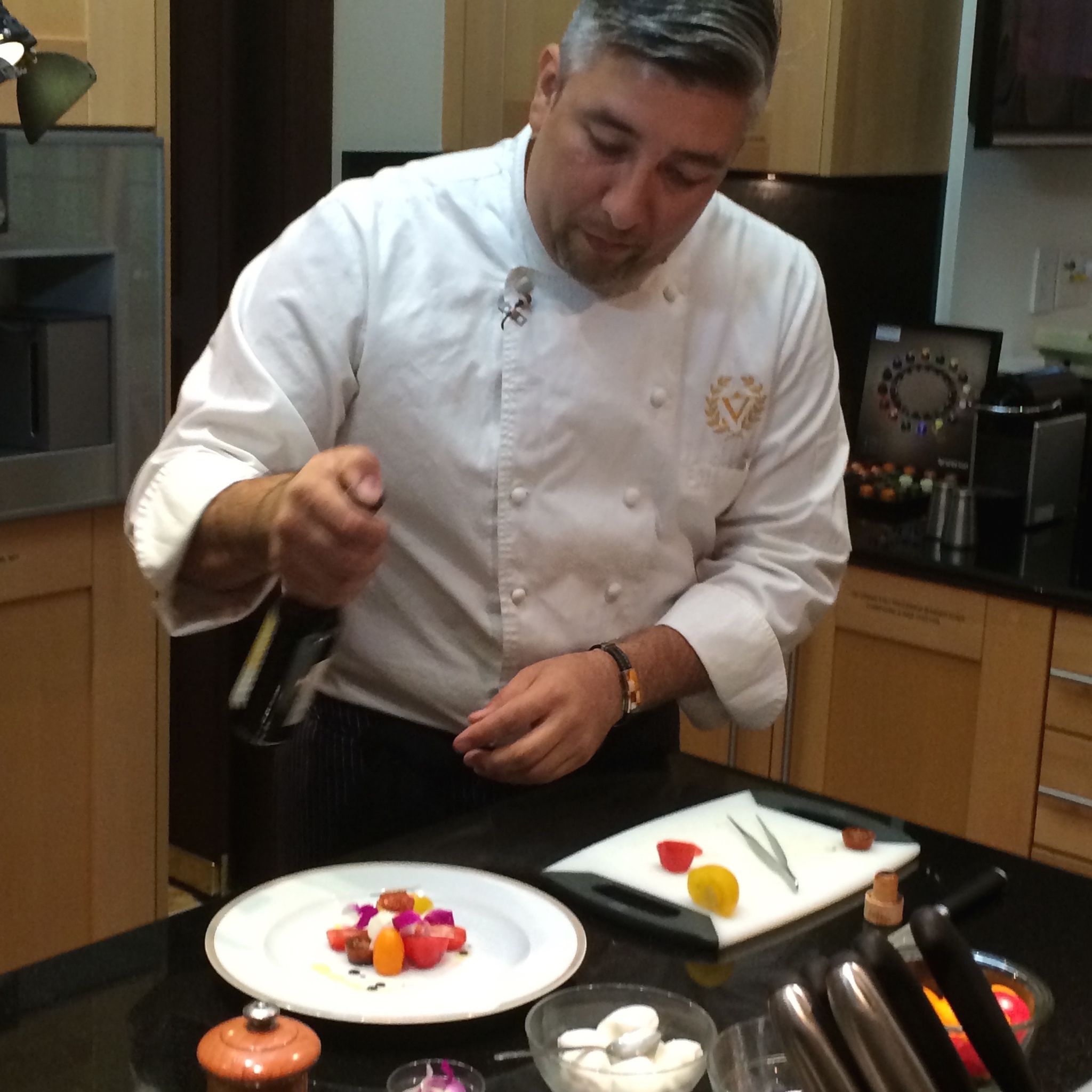 Chef Jason raises the bar once again while preparing a specially made gourmet meal for Villazzo guests. #luxury #private #finedining