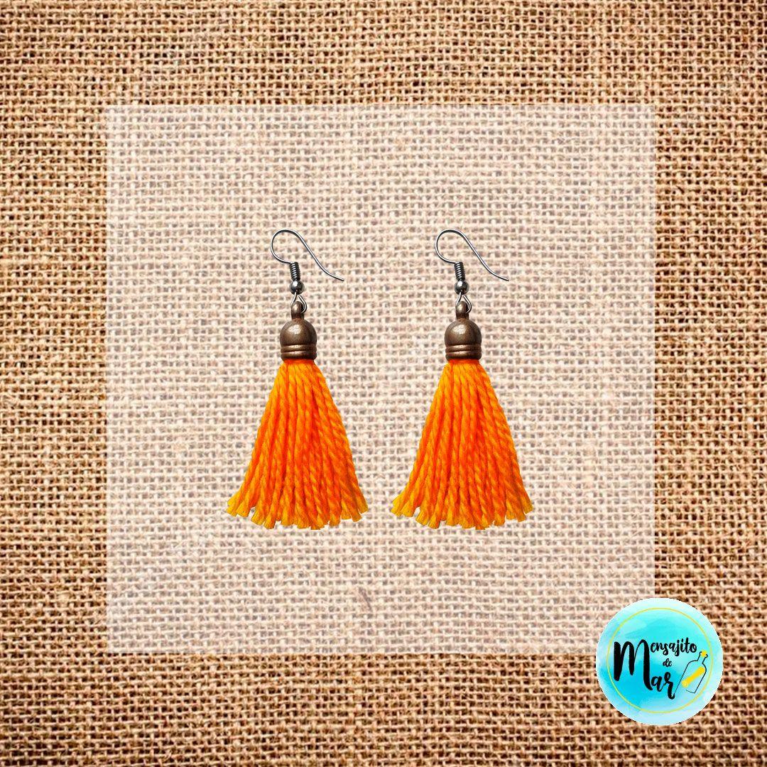 15ef3fc9fba6 Aretes Mini Escobitas Amarillo Mostaza. 😍 Pedidos por DM 🤙 Puedes elegir  el color que desees.  accesorios  medellin  colombia  hechoamano ...