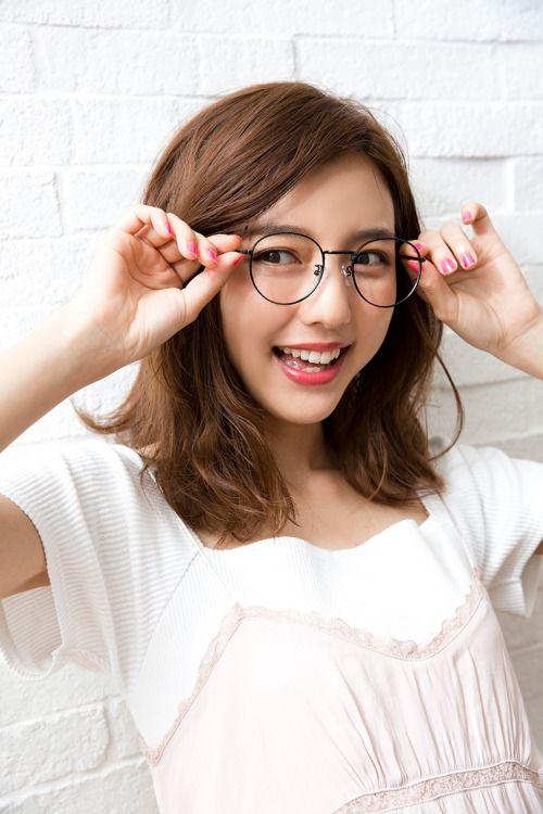 真野恵里菜 眼鏡