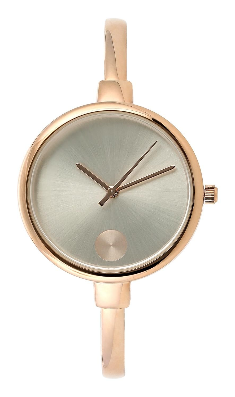 Diese tolle Armbanduhr überzeugt durch die dezente und feminine Designsprache. Diese roségoldfarbene, modische Uhr ist ein absolutes Schmuckstück und hat durch das simple Ziffernblatt mit Perlmutt-Effekt eine unaufdringliche Wirkung...
