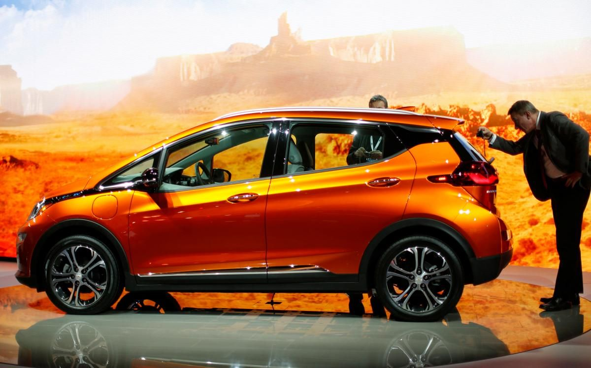 Tesla Delays Tax Credit Concerns Spur Sales Of Chevy Bolts