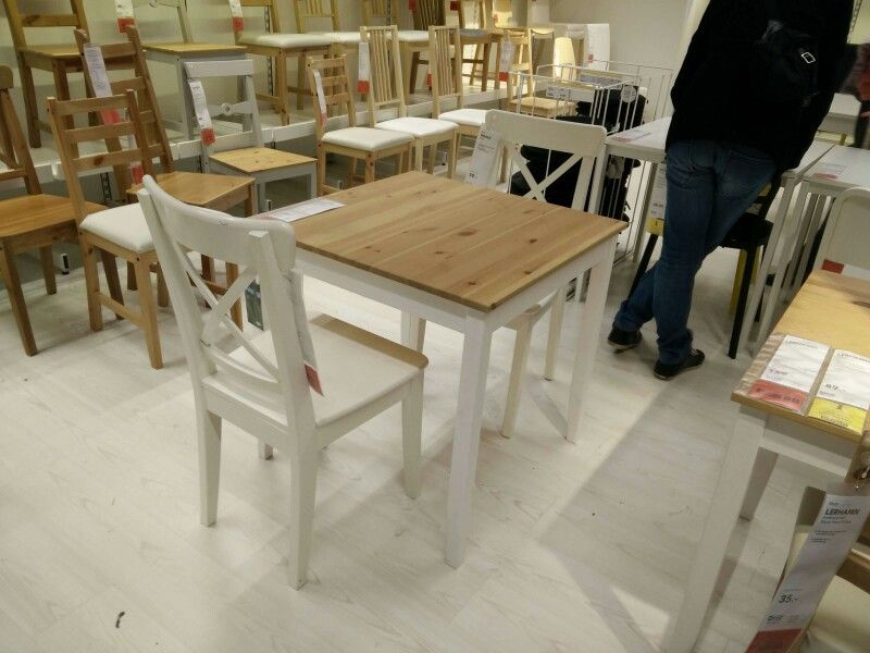 Top ikea lerhamn table ingolf chairs with table pliante for Table de salle a manger pliante console