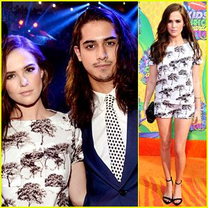 #Zoey Deutch & Avan Jogia Couple Up at Kids' Choice Awards 2014! --- More News at : http://RepinCeleb.com  #celebnews #repinceleb #2014KidsChoiceAwards, #AvanJogia, #Gossip, #Newsroom, #ZoeyDeutch