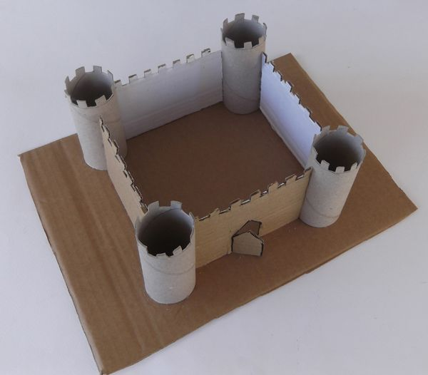 Paper castle castle from toilet paper rolls how to make for Paper roll projects
