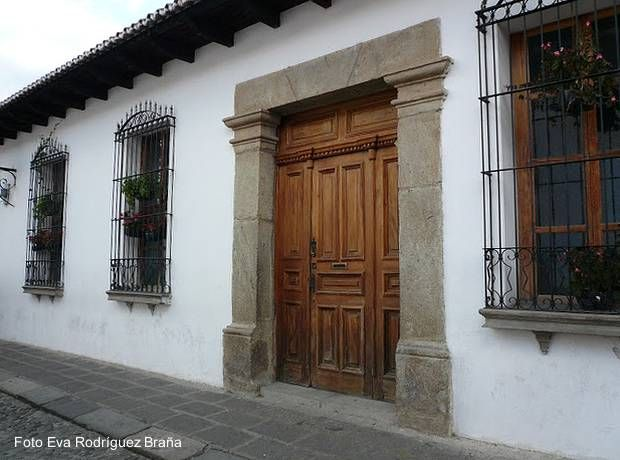 Casas coloniales arquitectura de casas decoracion for Imagenes de fachadas de casas rusticas mexicanas