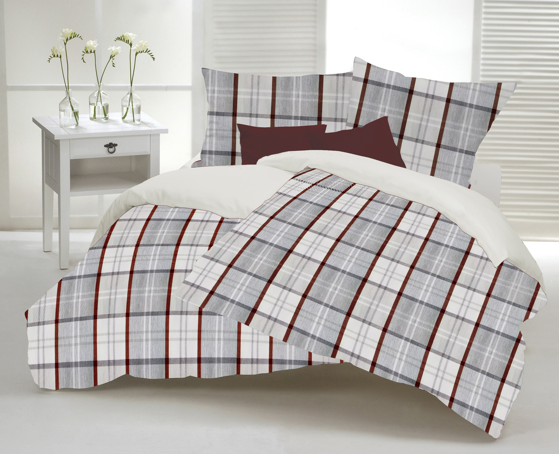 Duvet cover made in Canada , color grey and burgundy