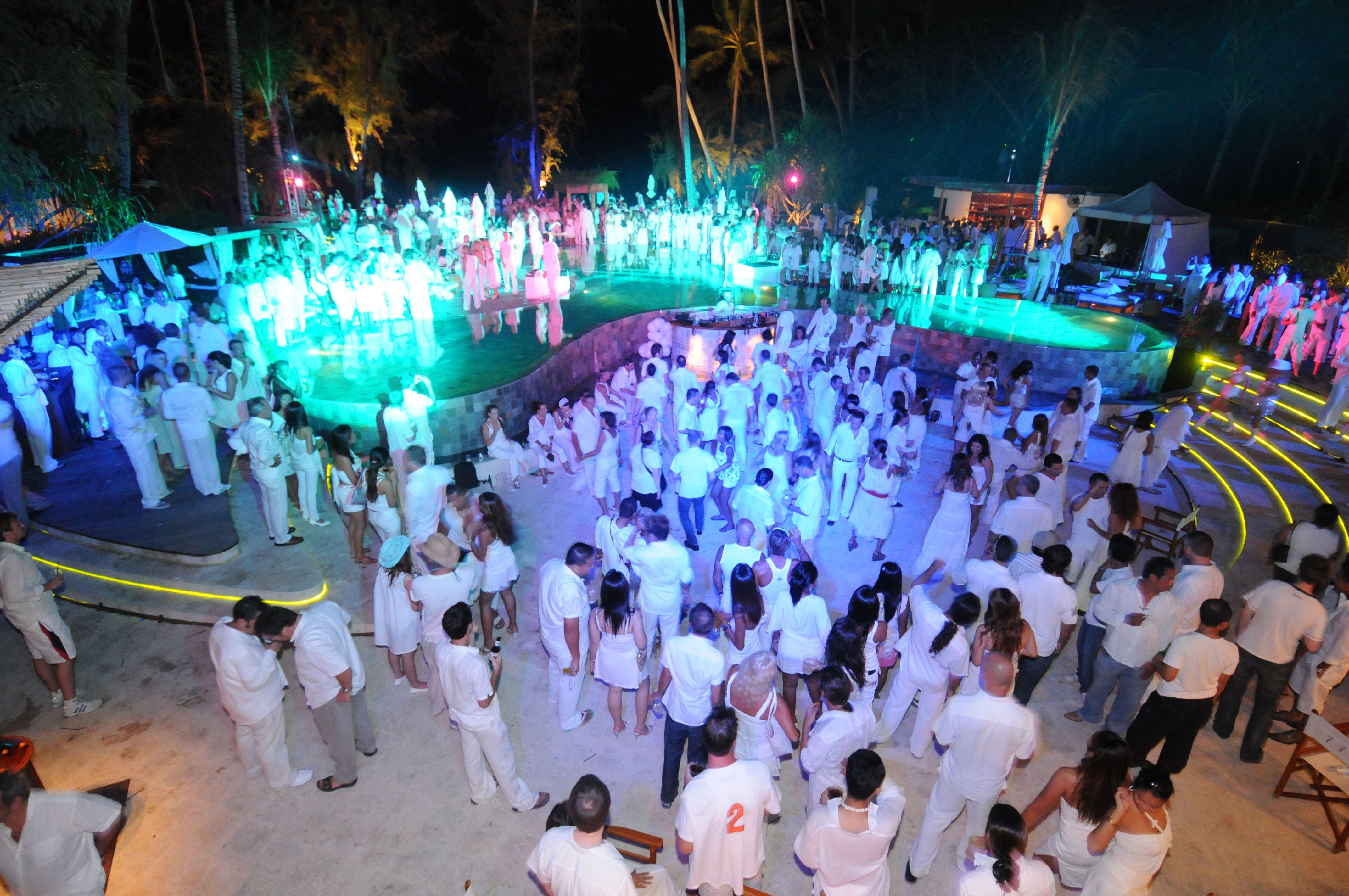Party and Dance Travel to Nikki Beach Koh Samui