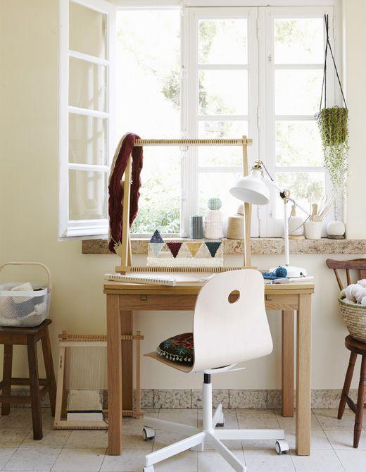 F r ein b ro daheim brauchst du nicht unbedingt ein separates zimmer manchmal reicht auch - Schreibtisch vor fenster ...