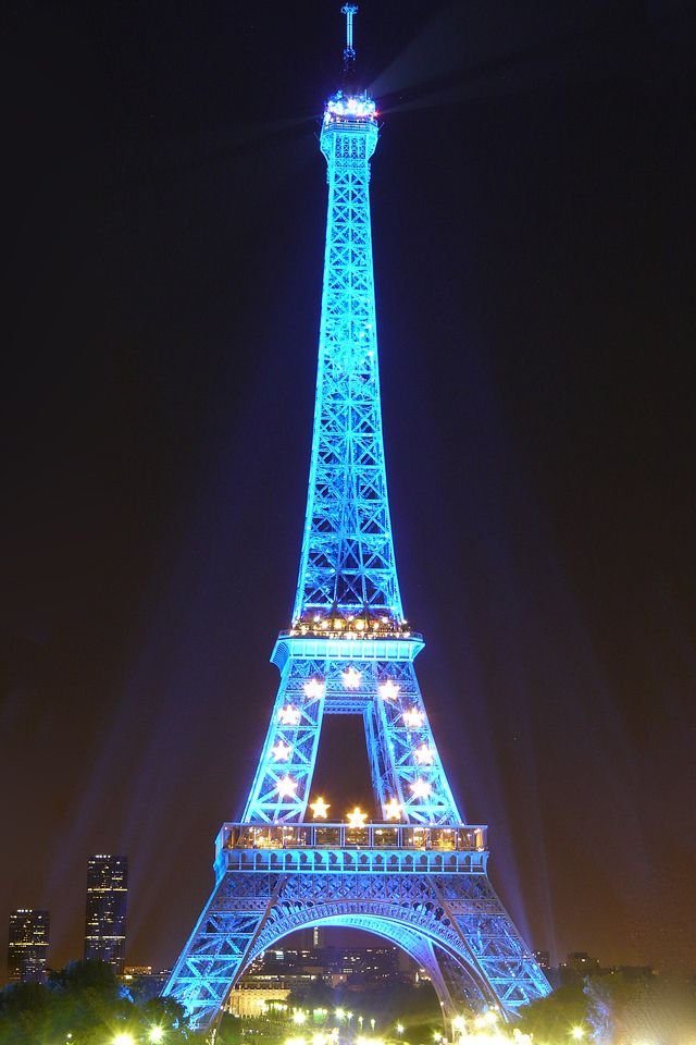 Eiffel Tower Blue Iphone Wallpaper Hd Eiffel Tower Pictures Eiffel Tower Effiel Tower