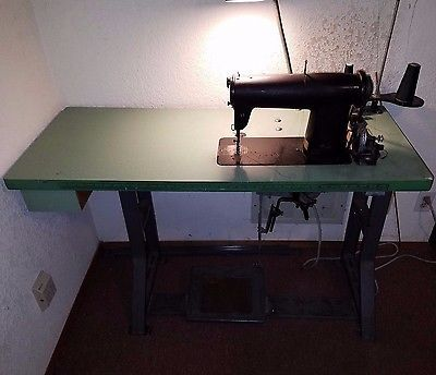 Рriсе 4040 Singer Sewing Machine 440W40 And WMC CS440240 Awesome Brand New Singer Industrial Sewing Machine