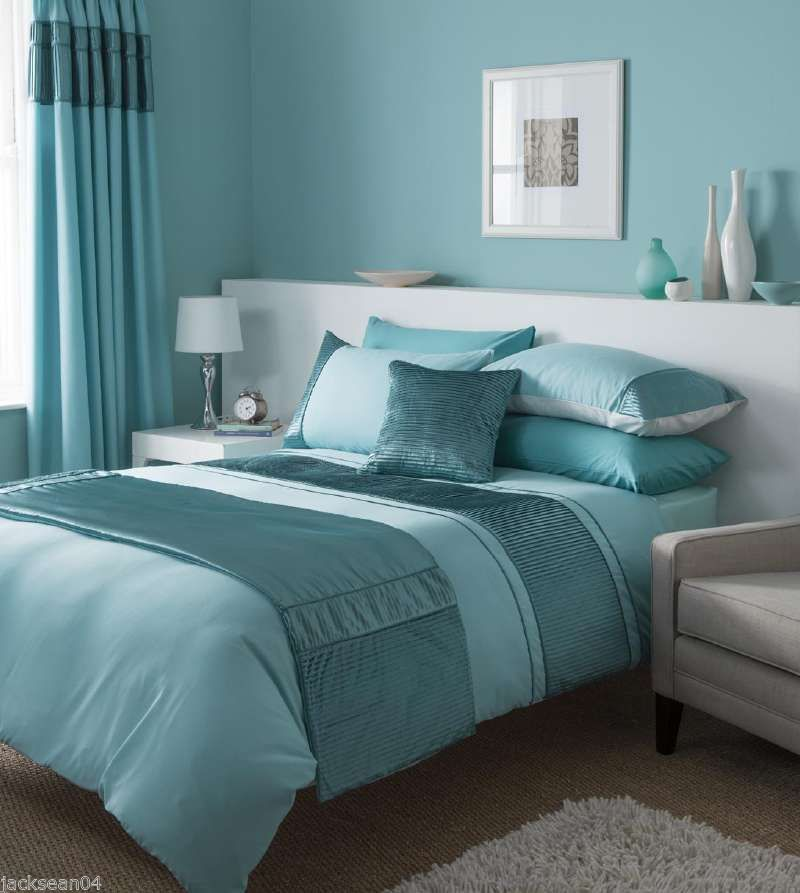 Stunning Duck Egg Blue Duvet Set With Matching Curtains