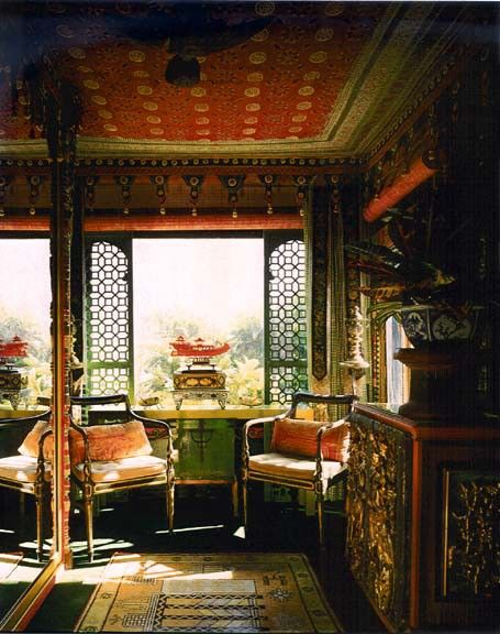 Antique Asian-inspired look #asian #chinese #antique #interior #decor #decorating #zen #toile #ChineseNewYear