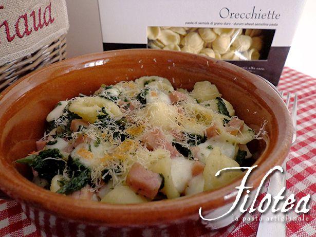 Orecchiette al forno con spinaci, mortadella e scamorza