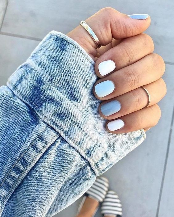 Nails Natural Nails Solid Color Nails Acrylic Nails Cute Nails Wedding Nails Sparkling Glitter Brida Solid Color Nails Blue And White Nails Simple Nails