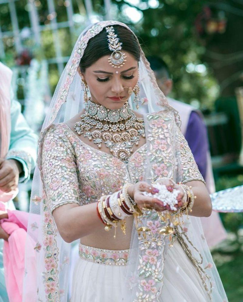 23+ White indian wedding lehenga ideas