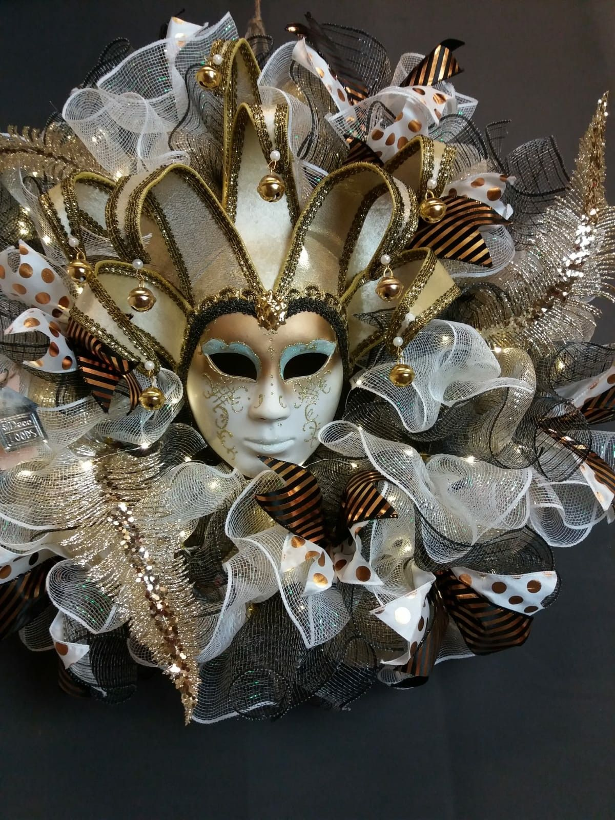Groothandel Halloween Decoratie.Carnaval In Limburg De Deco Loods Groothandel In Decoratie Materialen En Leuke Ideeen Carnaval Decoraties Decoraties Carnaval