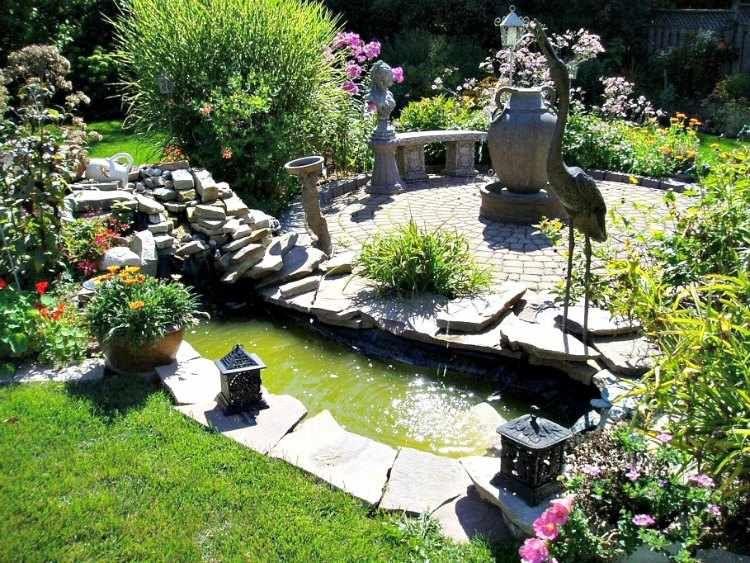 decoracion de jardines pequeos con adornos