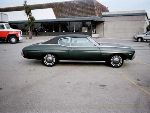 1970 Chevy Malibu 307 Cu In Forest Green W Vinyl Top Just Like My First Car Chevy Malibu Chevelle Car Dream Cars
