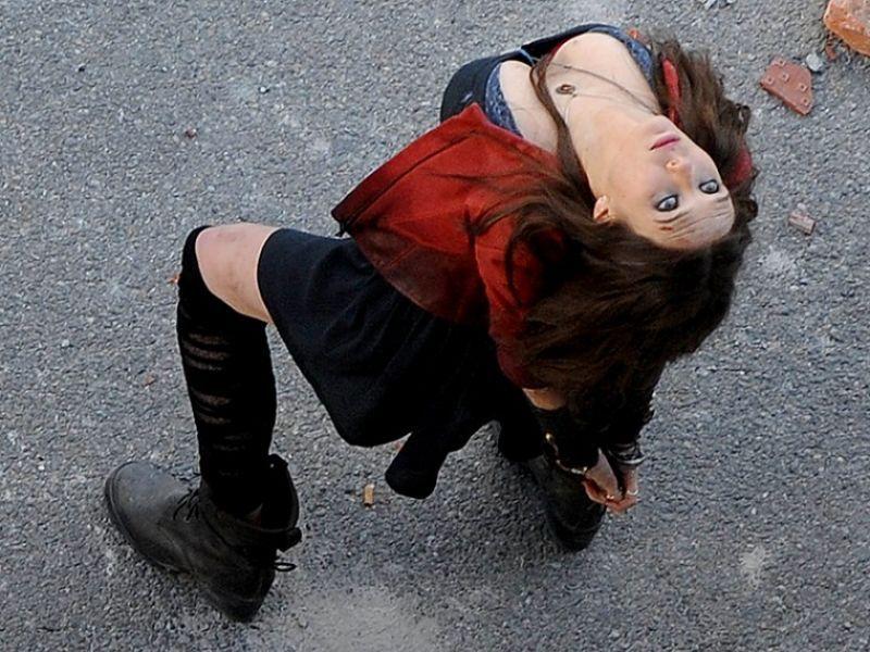 Elizabeth Olsen At Avengers 2 Age Of Ultron Set In Italy Elizabeth Olsen Scarlet Witch Elizabeth Olsen Bikini Elizabeth Olsen Film