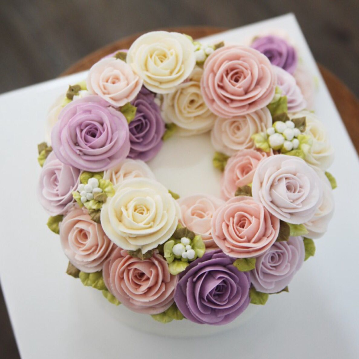 buttercream flower | Buttercream flower cake, Korean ...