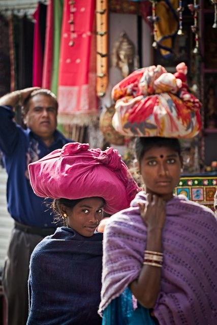 Udaipur, India. S) Loved & pinned by http://www.shivohamyoga.nl/ #india