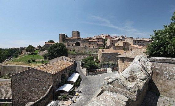 Antichi Borghi [zona #Maremma] --> Tuscania: il centro storico, racchiuso dalle mura ancora ben conservate è un piccolo gioiello ricco di cose da vedere per un itinerario a pochi passi dalla costa ma sufficientemente lontano da percepire un altro paesaggio, un'altra natura --> http://www.allyoucanitaly.it/blog/antichi-borghi