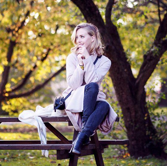 Sarah Mikaela - Last bit of Autumn